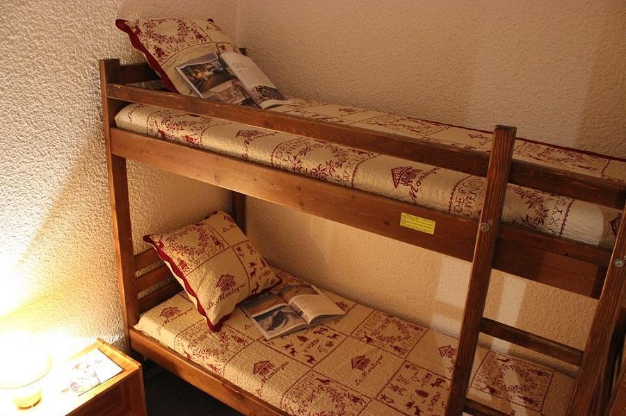 Location au ski Studio cabine 4 personnes (43) - Résidence Eterlous - Val Thorens - Canapé