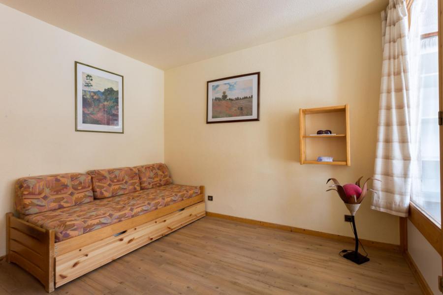 Location au ski Appartement 2 pièces 6 personnes (112) - Résidence l'Eskival - Val Thorens