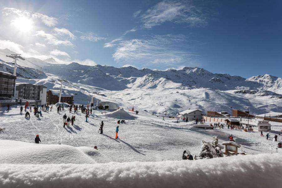 Vacances en montagne Appartement 2 pièces 4 personnes (105) - Résidence l'Eskival - Val Thorens - Extérieur hiver