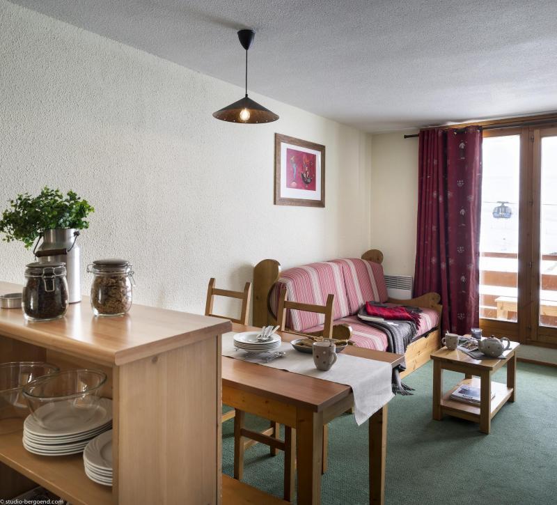 Skiverleih Résidence le Cheval Blanc - Val Thorens - Wohnzimmer