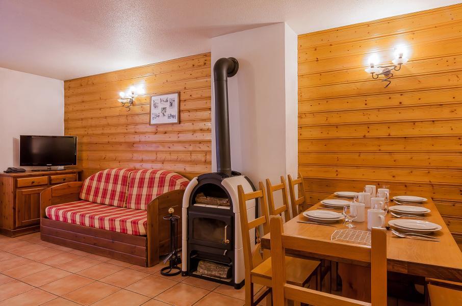 Location au ski Résidence le Val Chavière - Val Thorens - Poêle à bois