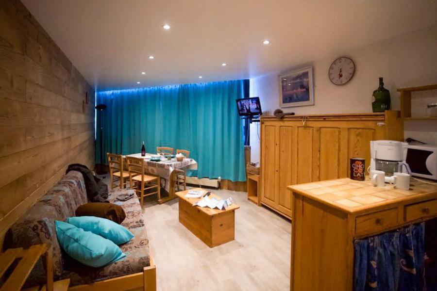 Location au ski Studio cabine 4 personnes (810) - Résidence les Trois Vallées - Val Thorens - Canapé