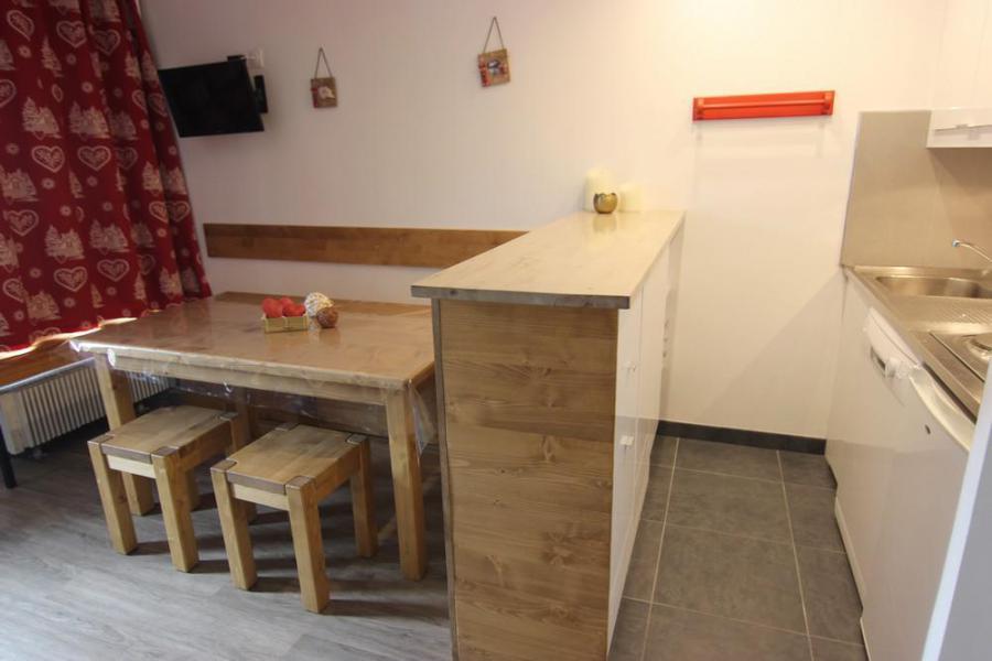 Location au ski Studio 4 personnes (93) - Résidence Névés - Val Thorens