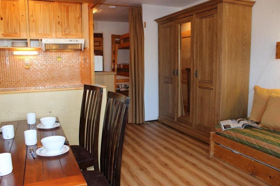 Location au ski Studio 4 personnes (66) - Résidence Névés - Val Thorens - Séjour