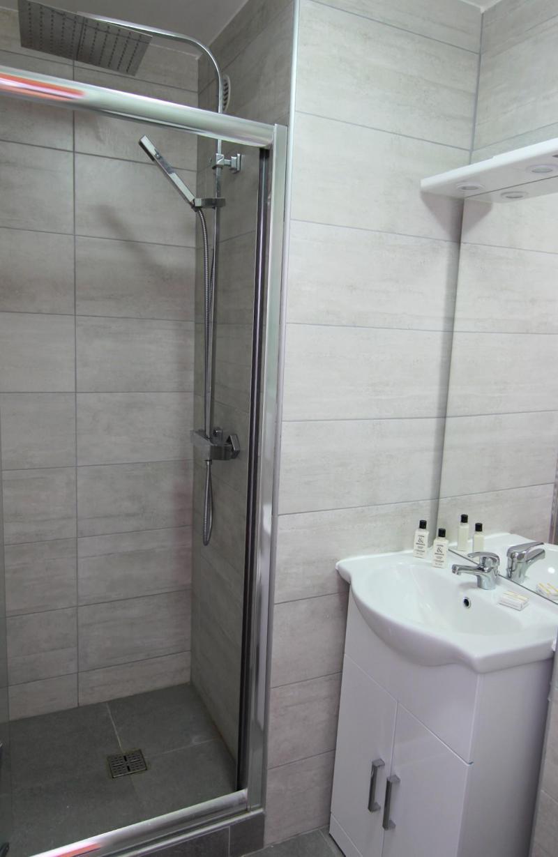 Location au ski Appartement 5 pièces 8 personnes (A17) - Résidence Roc de Péclet - Val Thorens - Douche