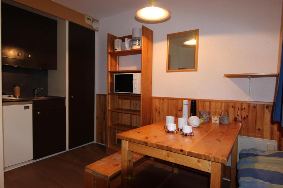Location au ski Studio 2 personnes (145) - Résidence Roche Blanche - Val Thorens - Table