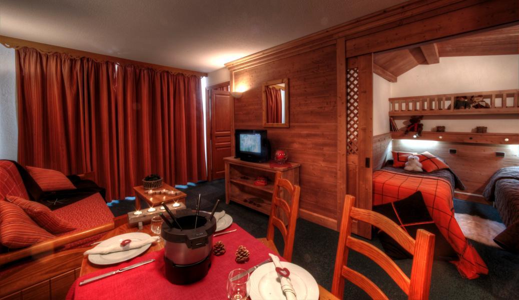 Skiverleih Résidence Village Montana - Val Thorens - Wohnzimmer