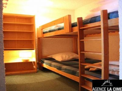 Location au ski Studio cabine 5 personnes (002) - La Residence Le Schuss - Val Thorens - Canapé