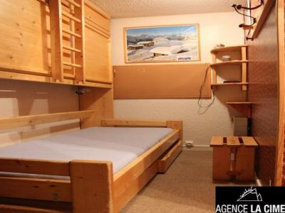 Location au ski Studio 4 personnes (V5) - La Residence Serac - Val Thorens - Canapé-gigogne