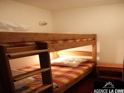 Location au ski Studio 6 personnes (J9) - La Residence Serac - Val Thorens - Lavabo