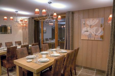 Rent in ski resort Les Balcons Platinium - Val Thorens - Dining area
