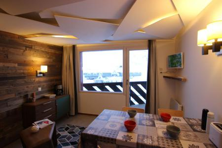 Rent in ski resort Studio cabin 4 people (12H) - Les Temples du Soleil Cuzco - Val Thorens - Living room