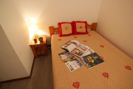 Location au ski Appartement 3 pièces 6 personnes (3) - Residence Beau Soleil - Val Thorens - Poêle à bois