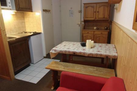 Location au ski Studio cabine 4 personnes (2100) - Residence Cimes De Caron - Val Thorens - Salle de bains