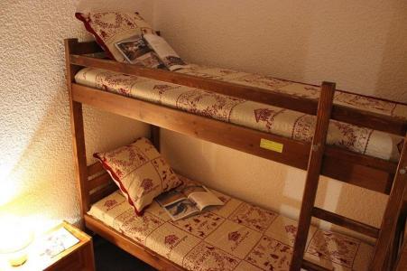 Location au ski Studio cabine 4 personnes (43) - Residence Eterlous - Val Thorens - Canapé