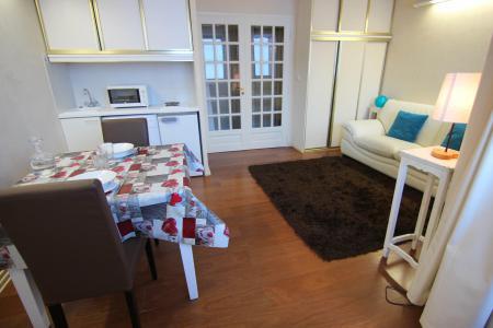 Location au ski Studio 2 personnes (12) - Residence Le Joker - Val Thorens - Canapé