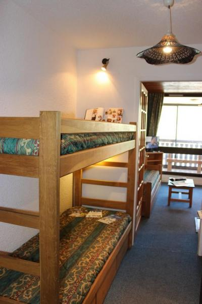 Location au ski Studio 3 personnes (O6) - Residence Le Serac - Val Thorens - Canapé