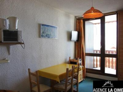 Location au ski Studio 2 personnes (303) - Residence Les Hauts De La Vanoise - Val Thorens - Canapé
