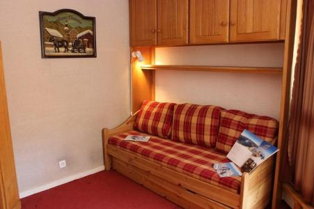 Location au ski Studio 3 personnes (818) - Residence Les Trois Vallees - Val Thorens - Canapé
