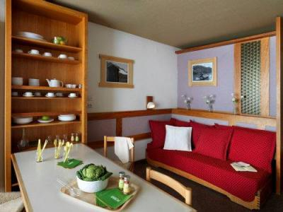 Rent in ski resort Résidence Pierre & Vacances le Gypaète - Val Thorens - Living room