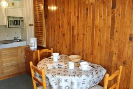 Location au ski Studio 2 personnes (C2) - Residence Roc De Peclet - Val Thorens - Table