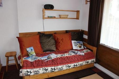 Location au ski Studio 4 personnes (84) - Residence Roche Blanche - Val Thorens - Canapé
