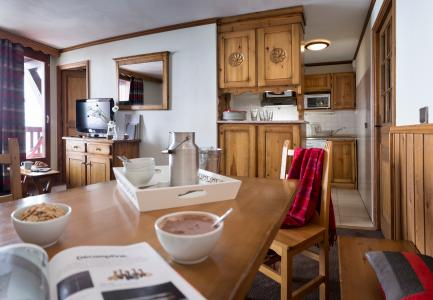 Rent in ski resort Résidence Village Montana - Val Thorens - Kitchen