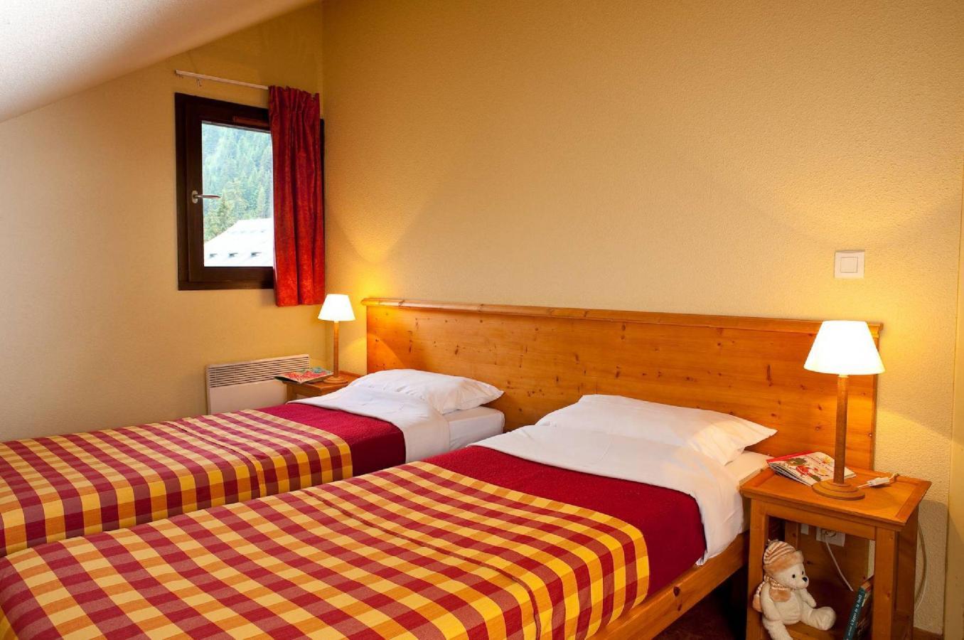Location au ski Les Chalets Du Thabor - Valfréjus - Chambre mansardée