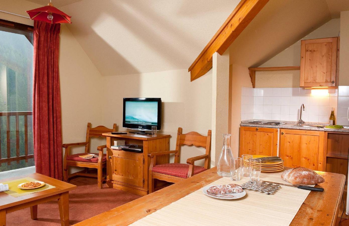 Location au ski Les Chalets Du Thabor - Valfréjus - Séjour