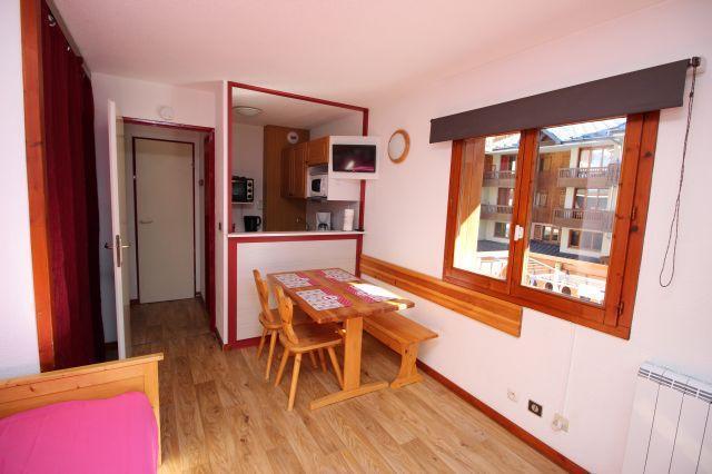 Location au ski Studio cabine 4 personnes (24) - Residence Chaviere - Valfréjus - Coin repas