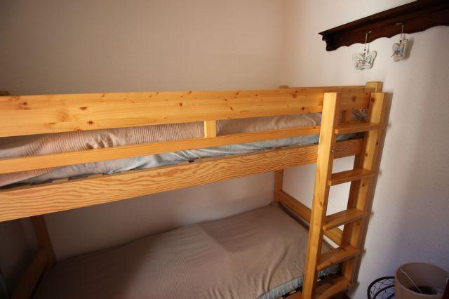 Location au ski Studio cabine 4 personnes (26) - Residence Chaviere - Valfréjus - Lits superposés