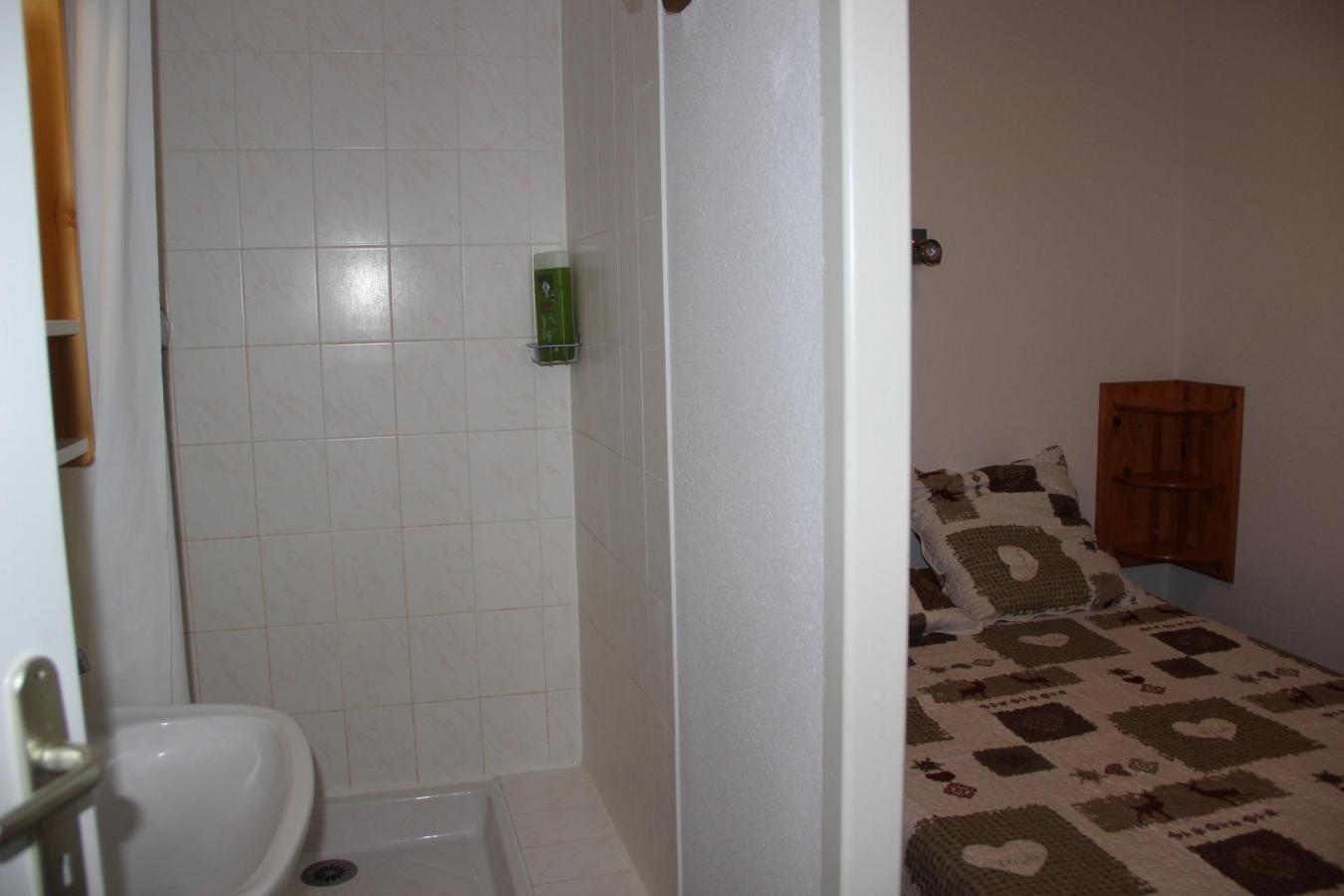 Location au ski Appartement 3 pièces cabine 10 personnes (08) - Residence Grand Argentier - Valfréjus - Baignoire