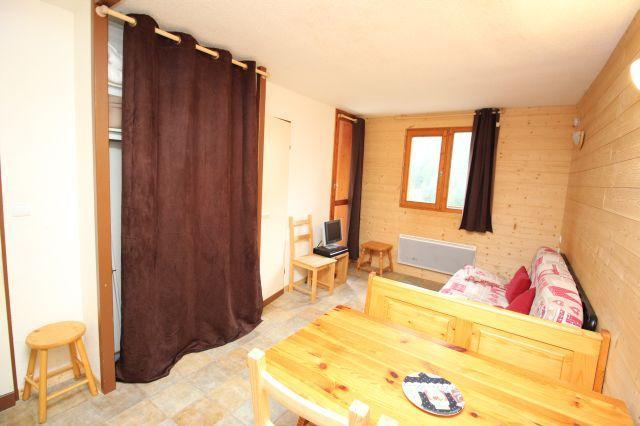 Location au ski Studio cabine 4 personnes (217) - Residence Le Thabor E - Valfréjus - Table