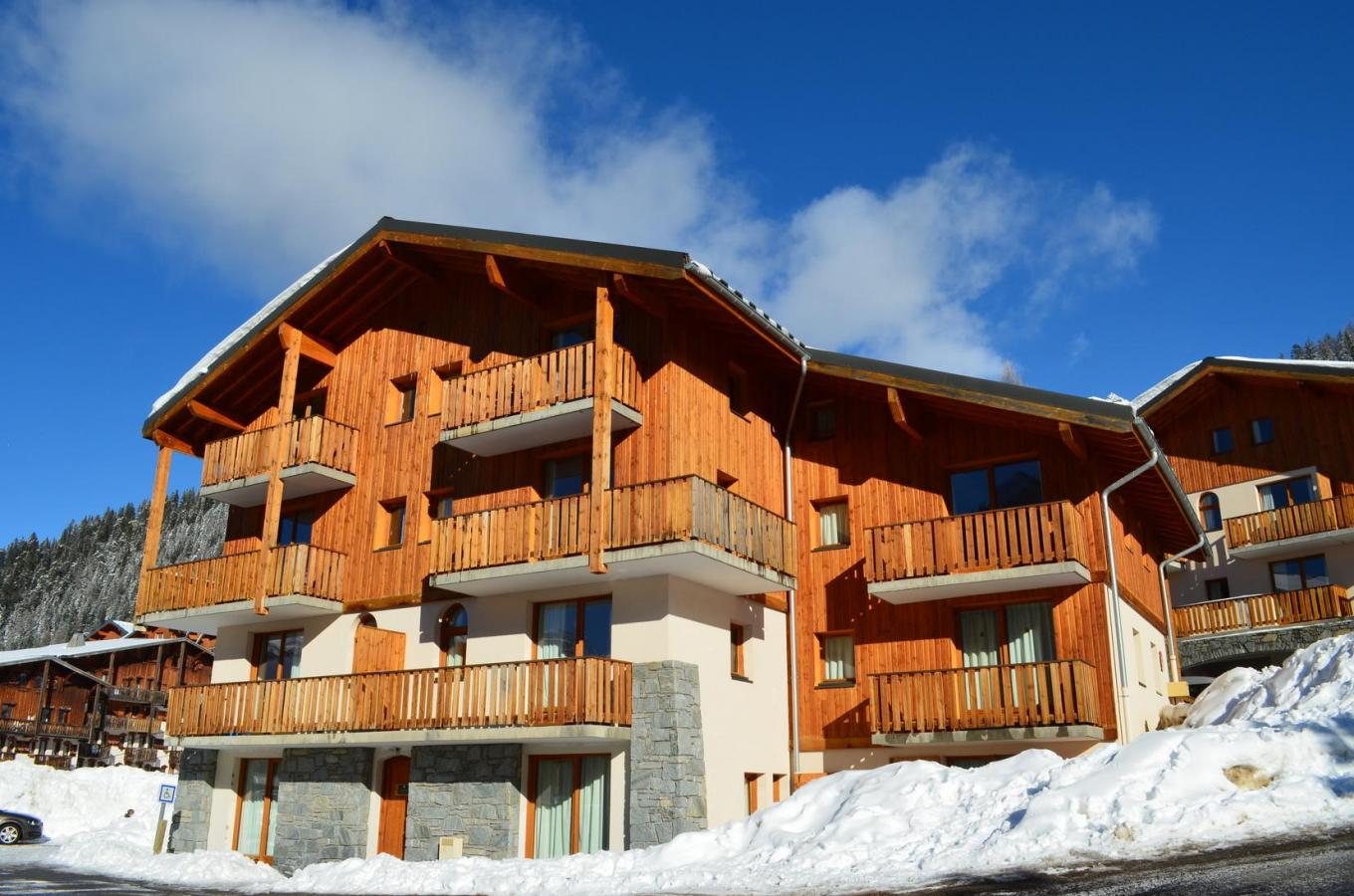 Accommodation with swmimming pool Residence Les Chalets De La Ramoure