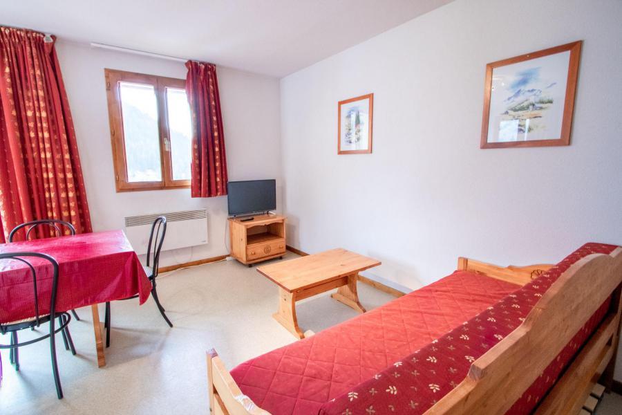 Аренда на лыжном курорте Апартаменты 3 комнат 6 чел. (H22) - Chalet d'Arrondaz - Valfréjus - Диван кровать