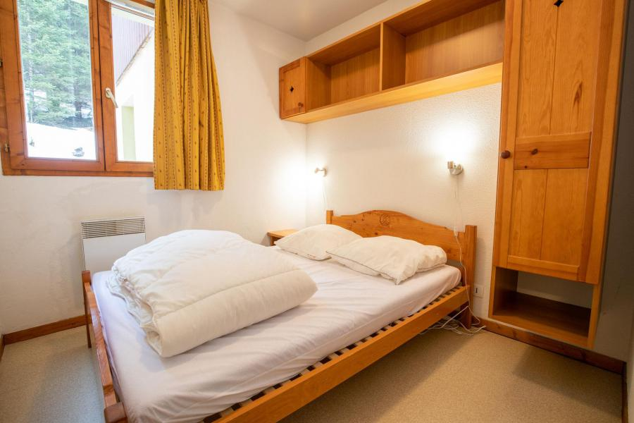 Аренда на лыжном курорте Апартаменты 2 комнат кабин 6 чел. (J12) - Chalets d'Arrondaz - Valfréjus