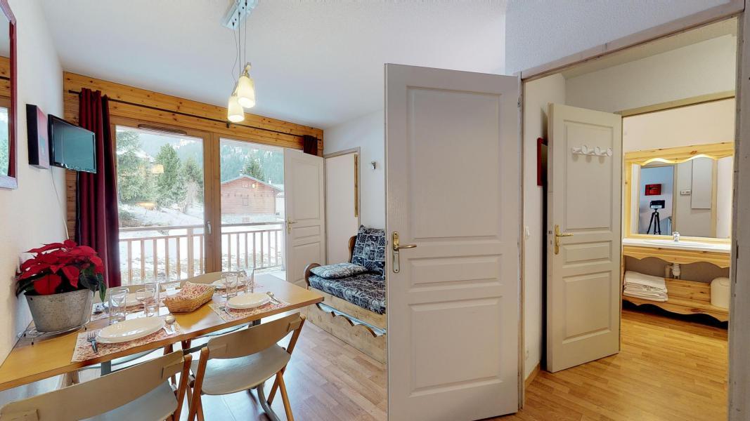 Rent in ski resort 2 room apartment 4 people - Les Chalets de Florence - Valfréjus - Living room