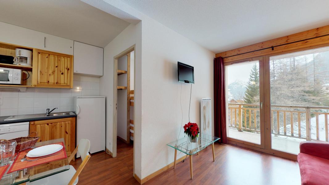Rent in ski resort 2 room apartment cabin 6 people - Les Chalets de Florence - Valfréjus - Shower room
