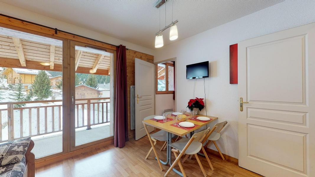 Rent in ski resort Studio cabin 4 people - Les Chalets de Florence - Valfréjus - Living room