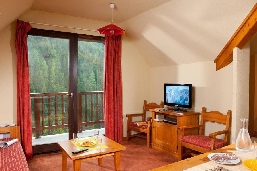 Skiverleih Les Chalets du Thabor - Valfréjus - Kleines Wohnzimmer