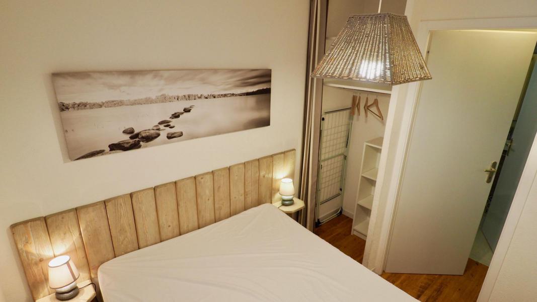 Аренда на лыжном курорте Апартаменты 2 комнат кабин 6 чел. (105) - Résidence Cheval Blanc - Valfréjus - Двухспальная кровать