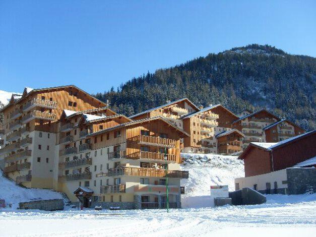 Vakantie in de bergen Résidence Cheval Blanc - Valfréjus - Buiten winter