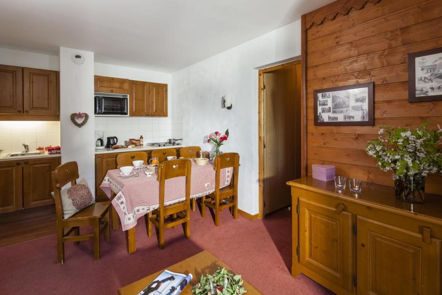 Location au ski Residence La Turra - Valfréjus - Cuisine ouverte