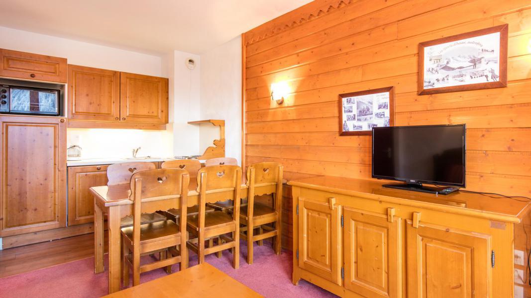 Rent in ski resort Résidence la Turra - Valfréjus - Living room