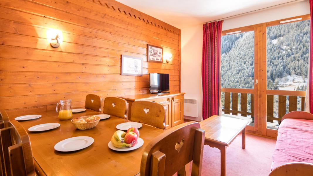 Location au ski Résidence la Turra - Valfréjus - Table