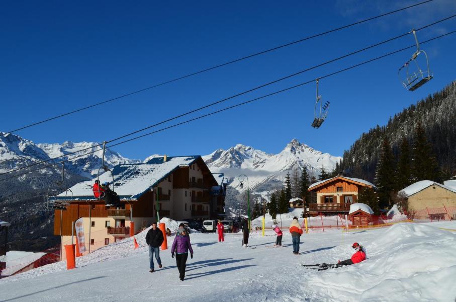 Location au ski Résidence les Chalets de la Ramoure - Valfréjus - Extérieur hiver