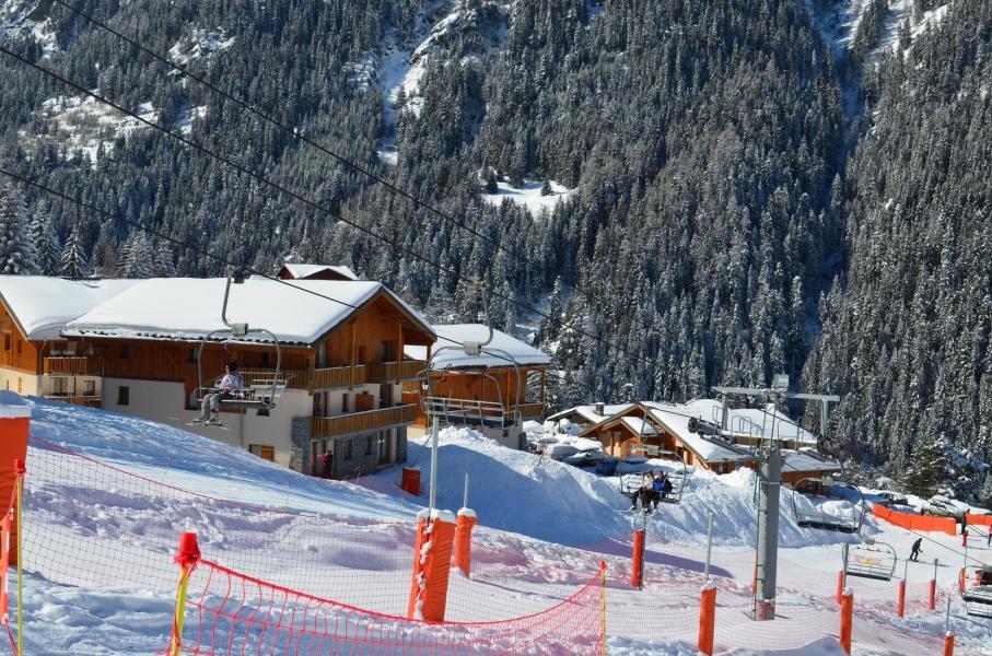 Urlaub in den Bergen Résidence les Chalets de la Ramoure - Valfréjus - Draußen im Winter