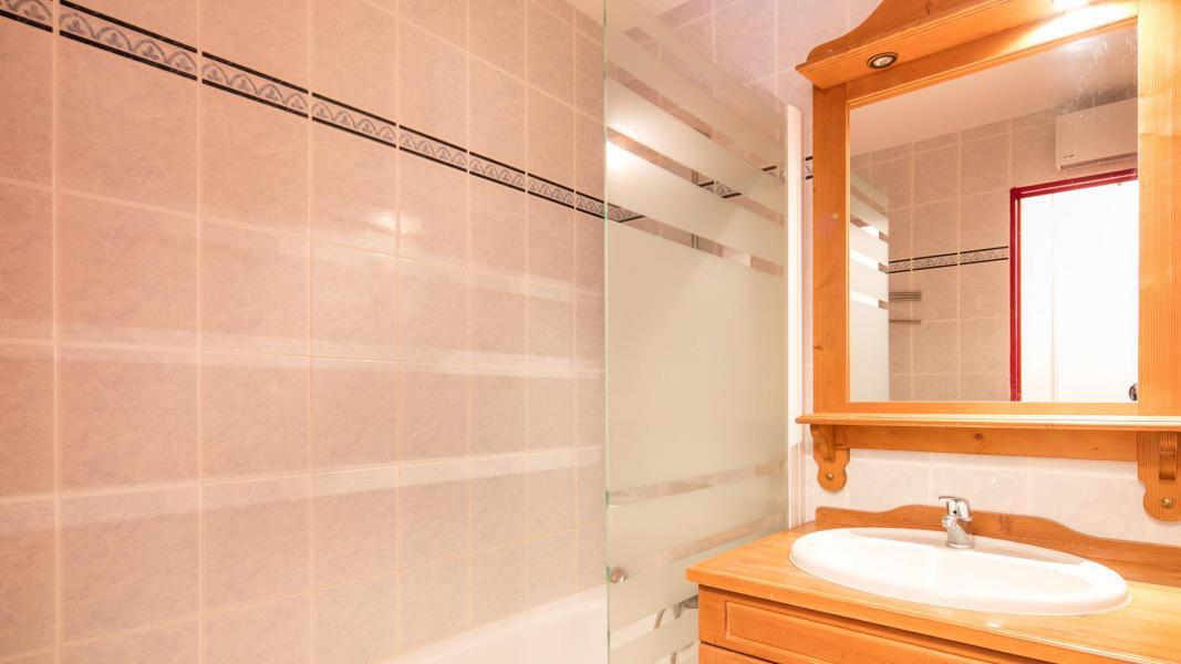 Location au ski Résidence les Chalets de la Ramoure - Valfréjus - Salle de bains
