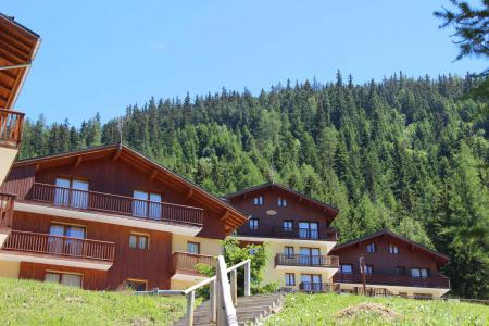 Rent in ski resort Chalet Arrondaz A - Valfréjus - Winter outside