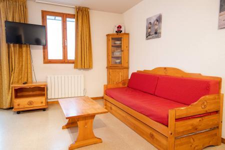 Rent in ski resort 3 room apartment 6 people (J22) - Chalets d'Arrondaz - Valfréjus